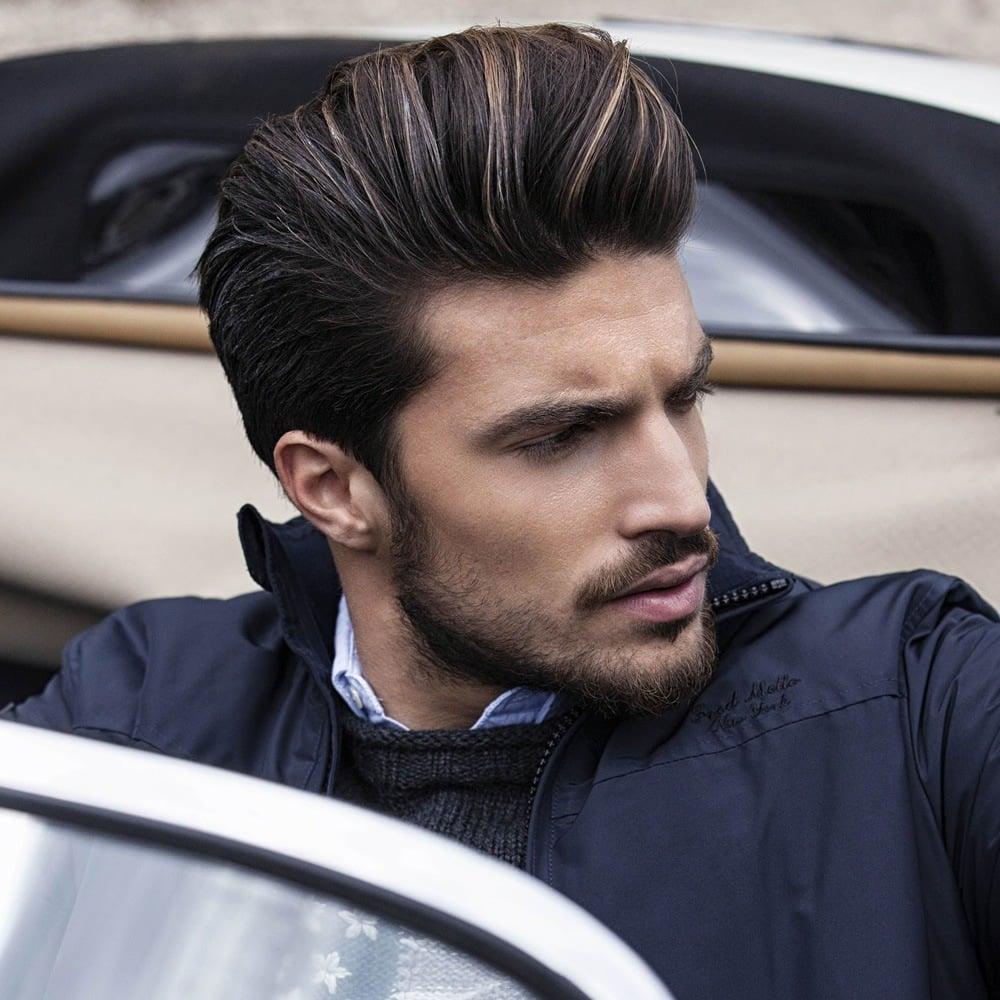 Short hairstyles for men: Modern Pompadour