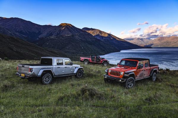 Jeep Gladiator Lake Wanaka