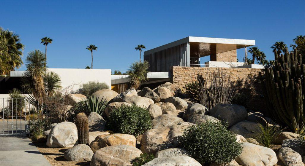 kaufmann desert house jake holt modernism palm springs richard neutra dezeen 2364 col 1 1704x1217 1