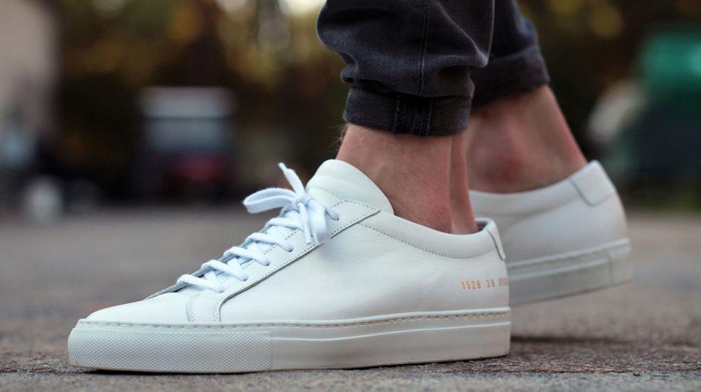 Πώς θα Είσαι Κομψός με Sneakers σε Κάθε Ηλικία.