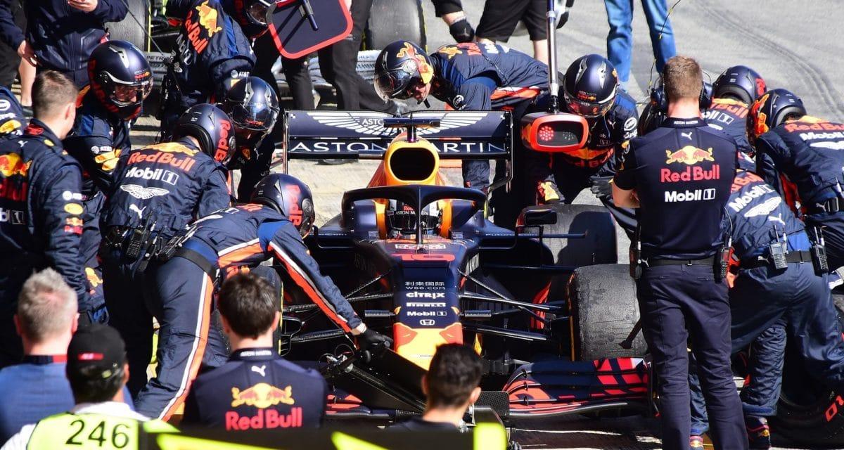 Formula 1 pit stop crew
