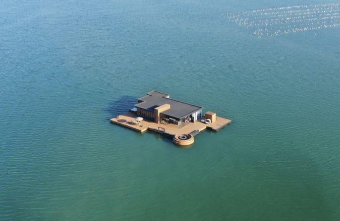 HI SEA FLOATING HOME