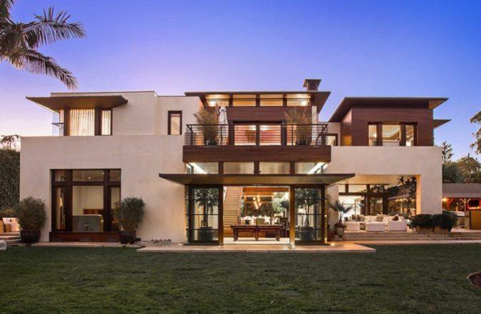 Matt Damon is selling his zen mansion.