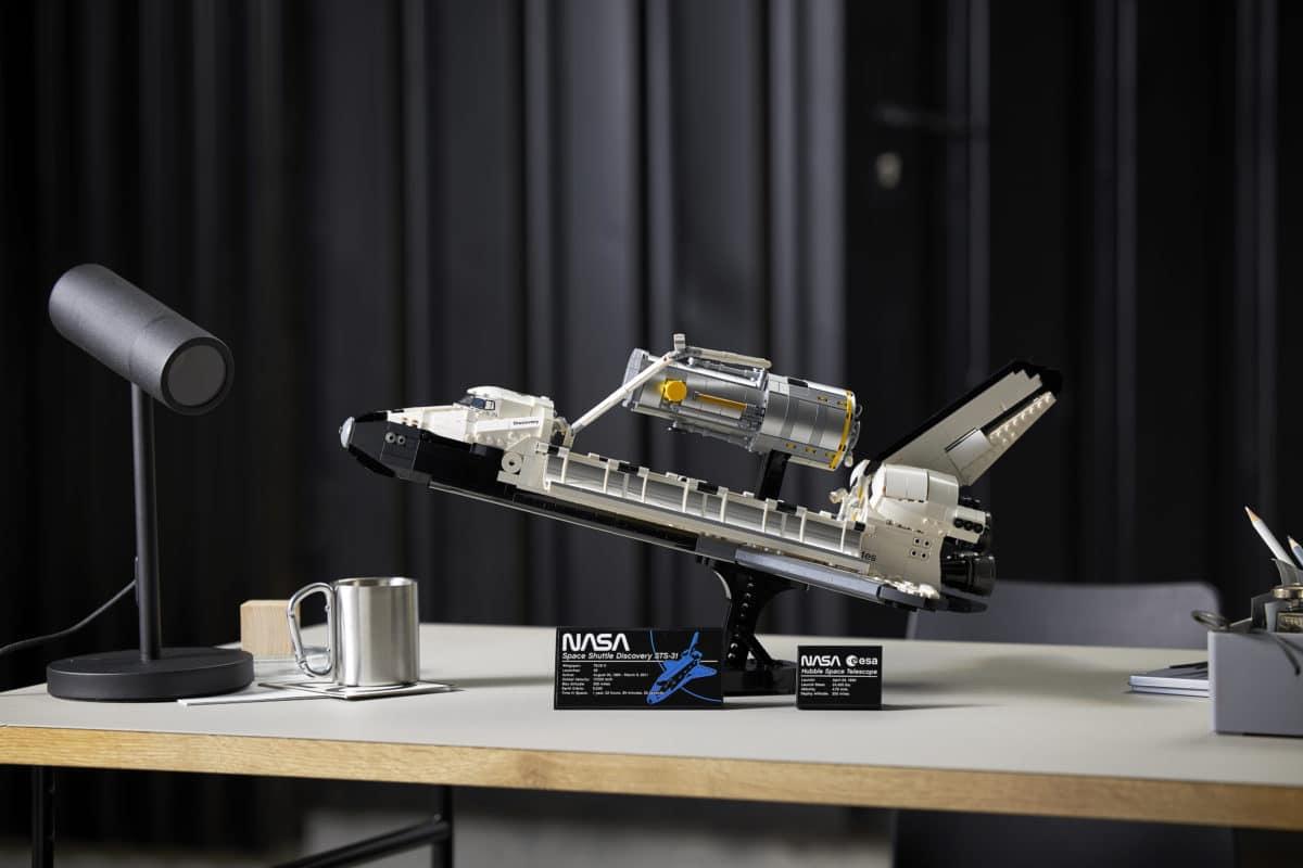 LEGO NASA Space Shuttle Discovery Kit 2,354 piezas