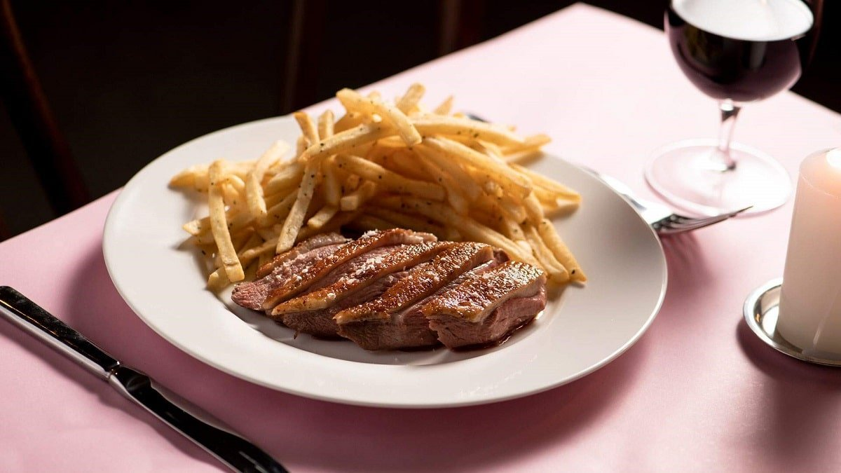 Bistrot 916 comes from a superstar team and is one of the best new restaurants in Sydney.