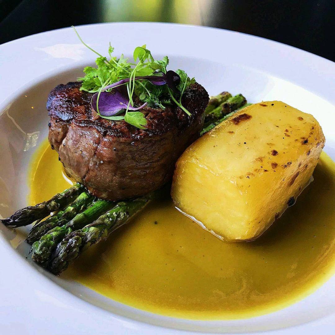 The Railway Club Hotel hosts one of the best steak restaurants in Melbourne.