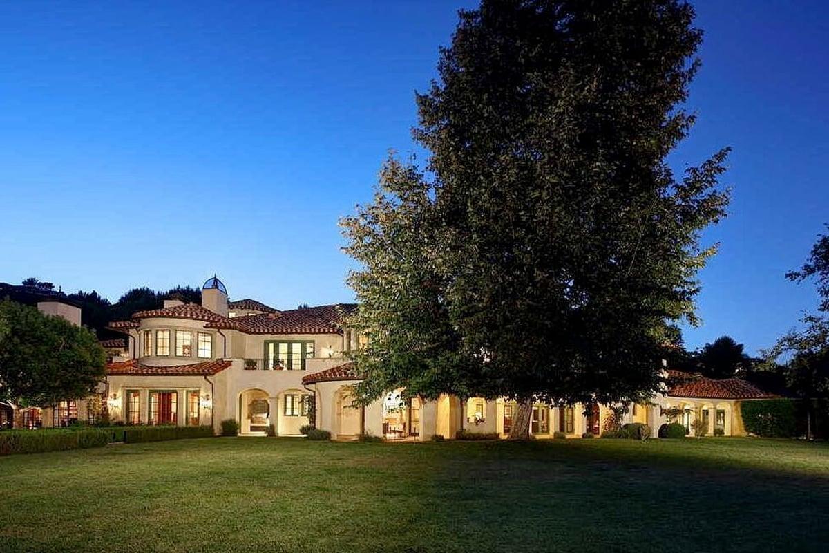 the rock's beverley park mansion