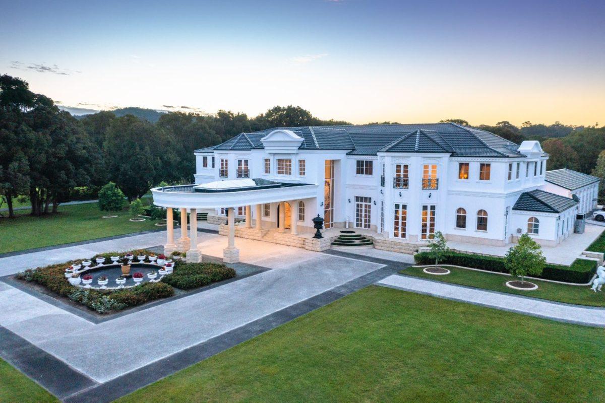 Gold Coast La Bellagio Villa
