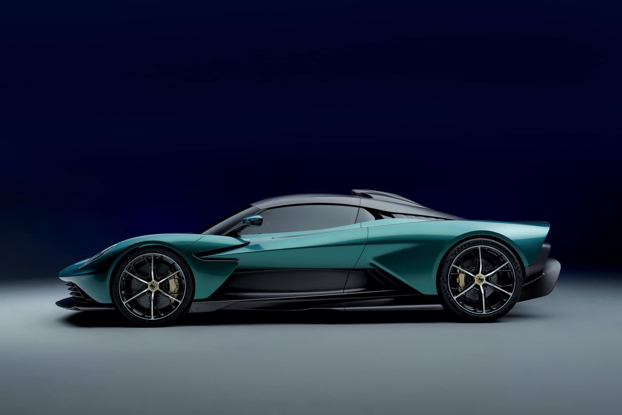 Aston Martin Valhalla 05