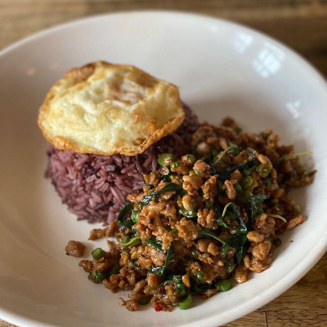 Jinda Thai is one of the best known Thai restaurants in Melbourne.
