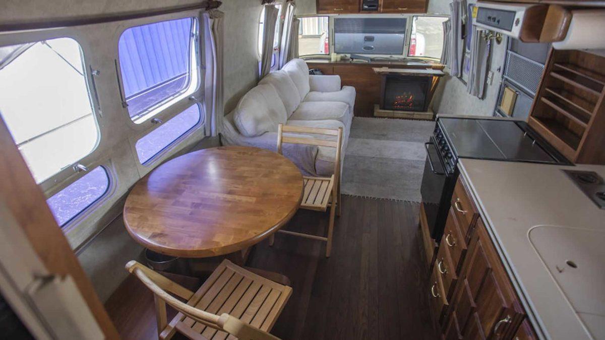 tom hanks 1992 airstream trailer interior 2