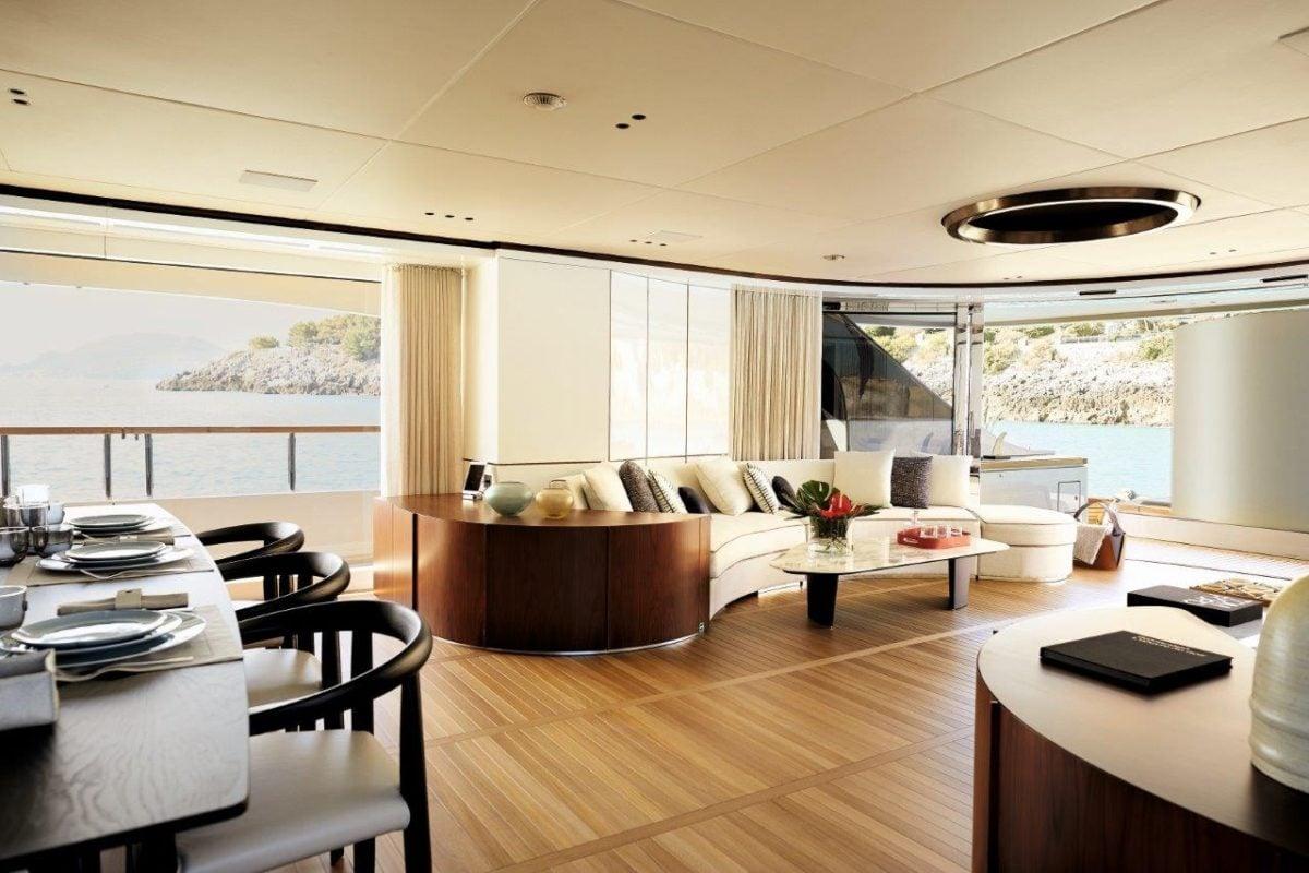 Benetti 40m Lounge