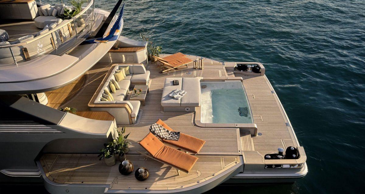 Benetti Oasis Deck
