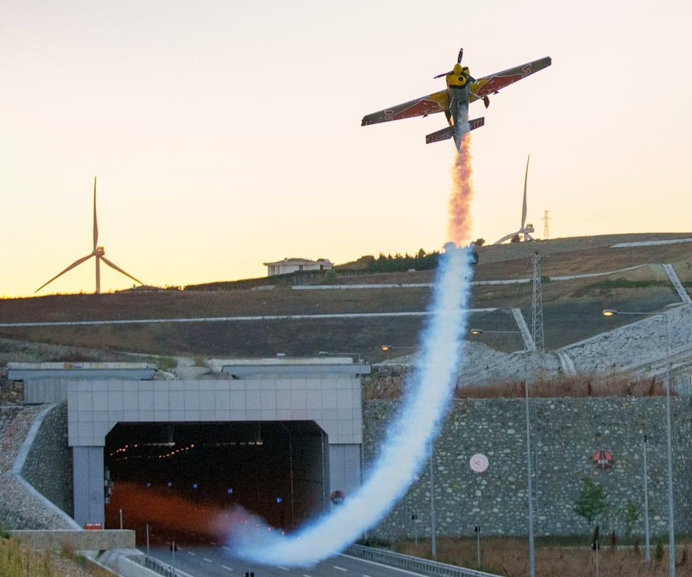 red bull plane tunnel dario costa world record turkey istanbul