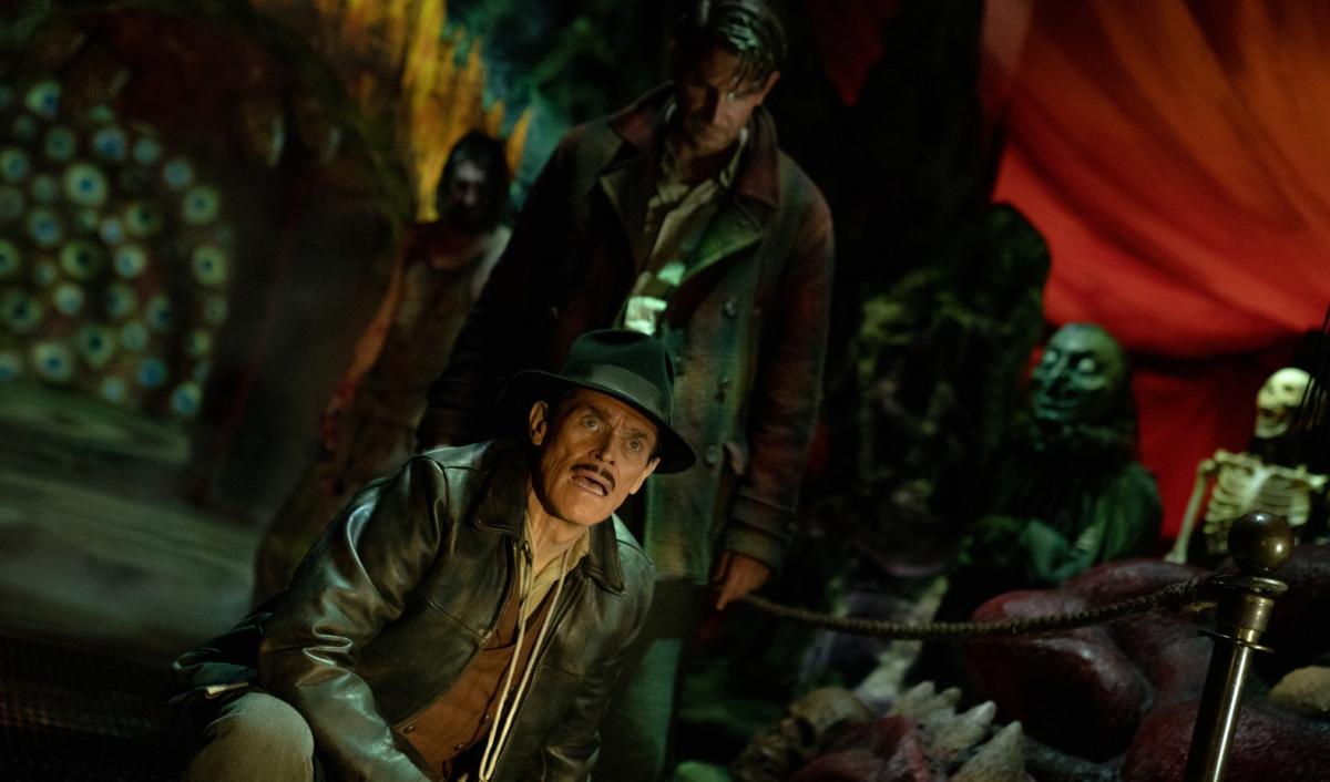 Guillermo del Toro nightmare alley trailer