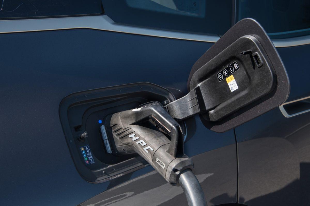 P90437445 低分辨率第一款 BMW i 汽车